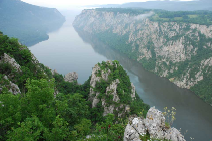 Po Dunavu, peske